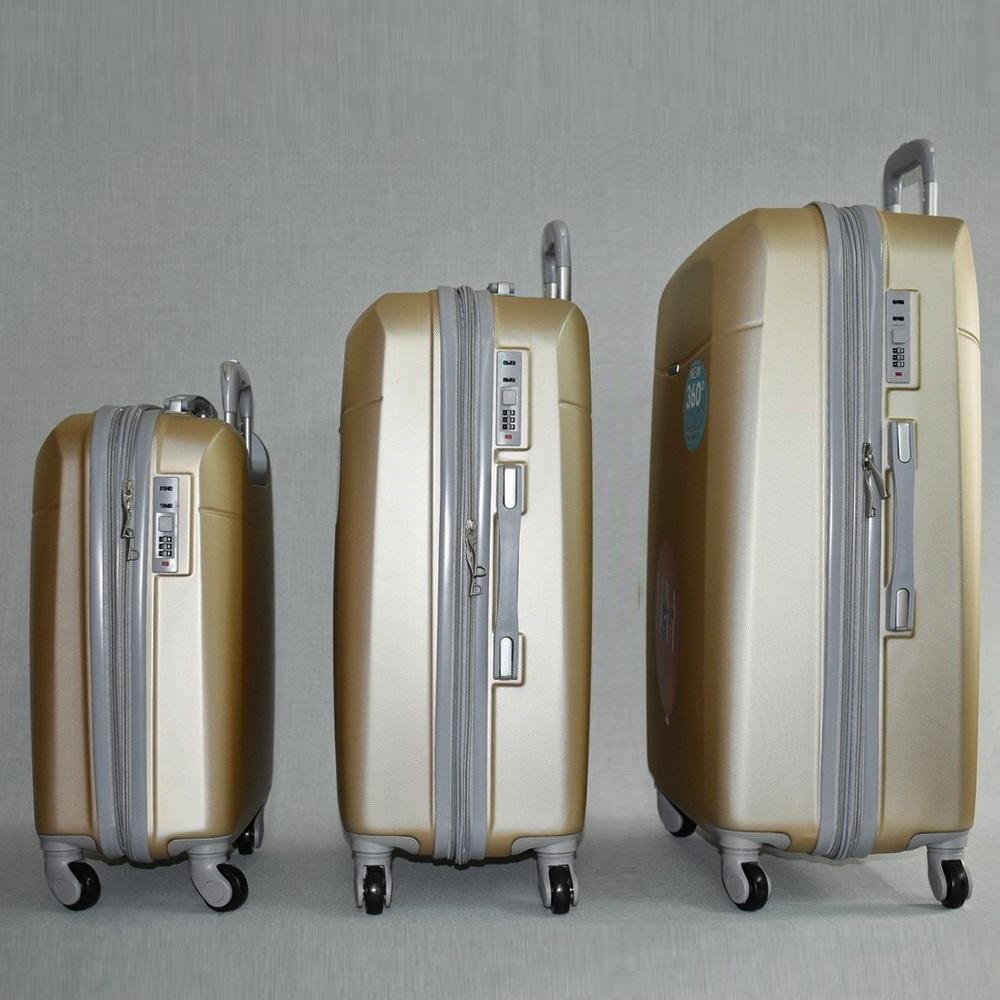 Комплект луксозни разширяващи се куфари - спинъри ULTRA LIGHT TRAVELER 8093 CHAMPAIGNE