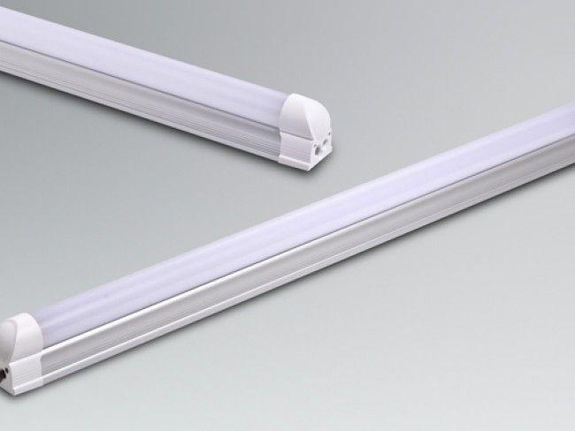 LED осветително тяло тип ПУРА T8 с алуминиев гръб и бяло матово стъкло 60 см, 9W, 900Lm