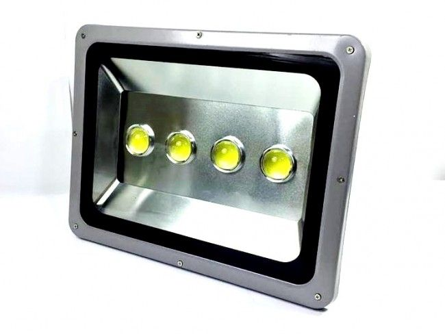 Супер мощен LED фенер за външен монтаж 200W 6000K Тип