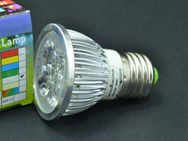 Компактна алуминиева LED крушка Е27 4х1W с 300 Lm, AC ~220V, 6500K студена бяла светлина