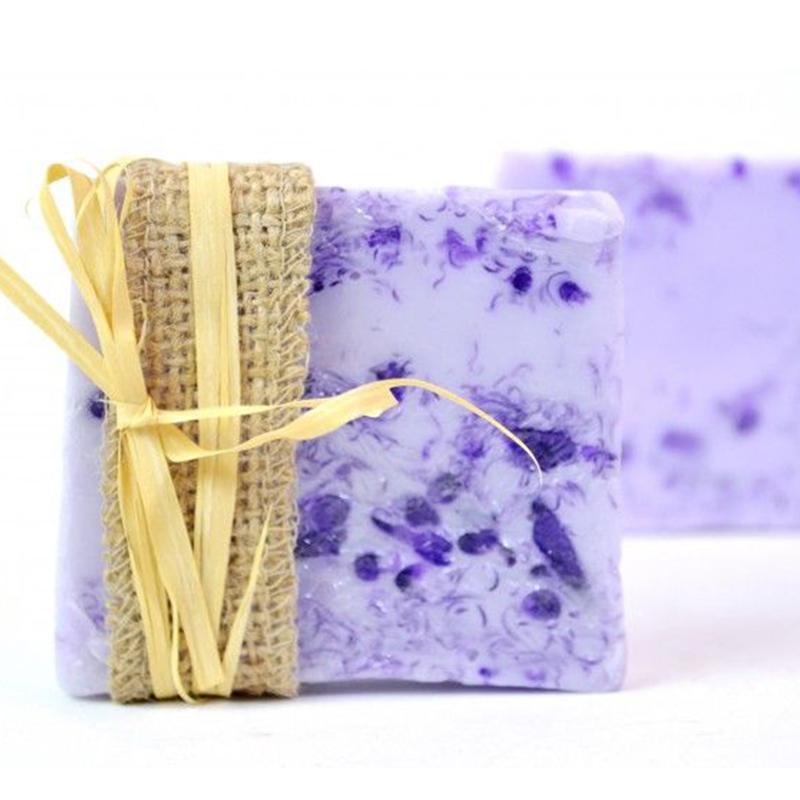 Луксозен подаръчен СПА микс от 10 модела ръчни глицеринови сапуни 70 гр.