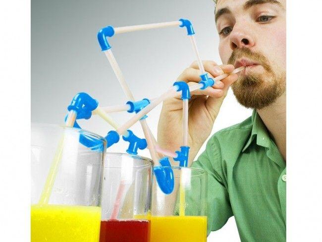 Свързващи се сламки DIY миксират питиетата директно в устата ти