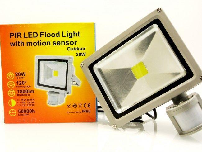 20W LED прожектор за външен монтаж с датчик за движение и светлина