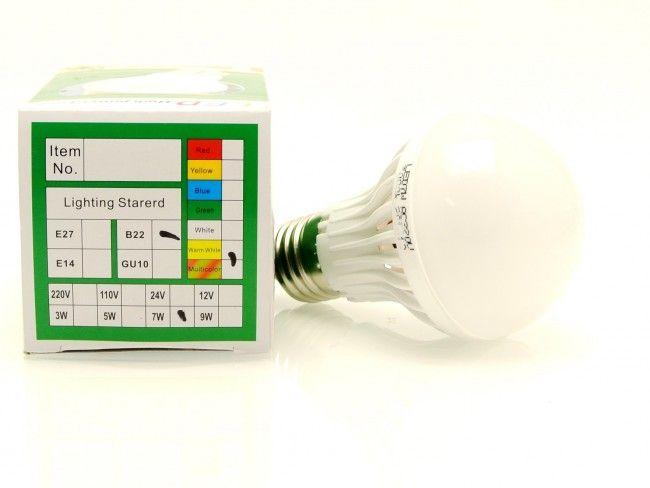 Най-ниска цена за 7W мощна и икономична LED крушка Е27 -студена бяла светлина 6000К