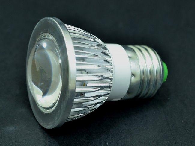 Компактна алуминиева LED крушка Е27 3W с оптична лупа 270 Lm, AC ~220V, 2700K топла