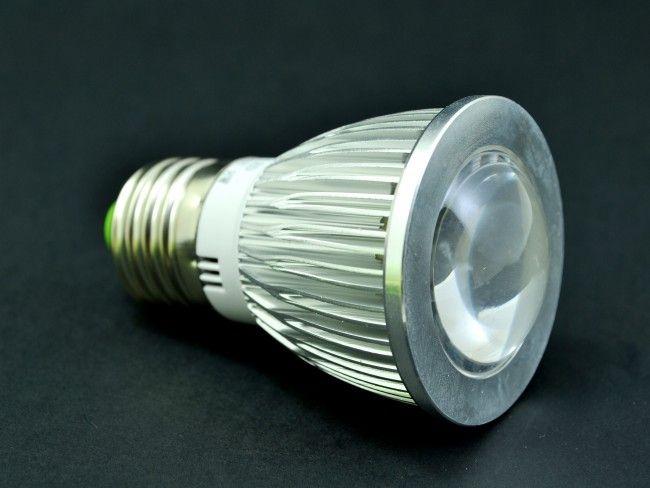 LED крушка Е27 ~220V AC 8W, лупа и алуминиево тяло. 6000К студена бяла светлина