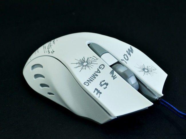 Геймърска мишка Born in War WHITE 6D с променливи цветове и дълъг оплетен кабел