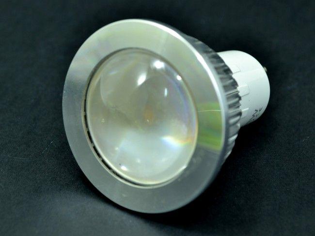 Мощна алуминиева LED спот луничка MR16 AC~220V 8W 750 Lm, 2700К топла жълтеникава светлина