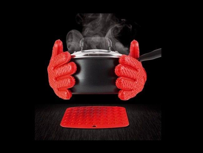 Вашият верен помощник в кухнята. Силиконови ръкохватки с пет пръста HOT HANDS