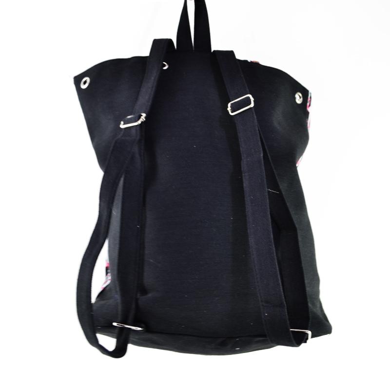 Дамска чанта с кожени елементи FLAMINGO STRIPS 4138