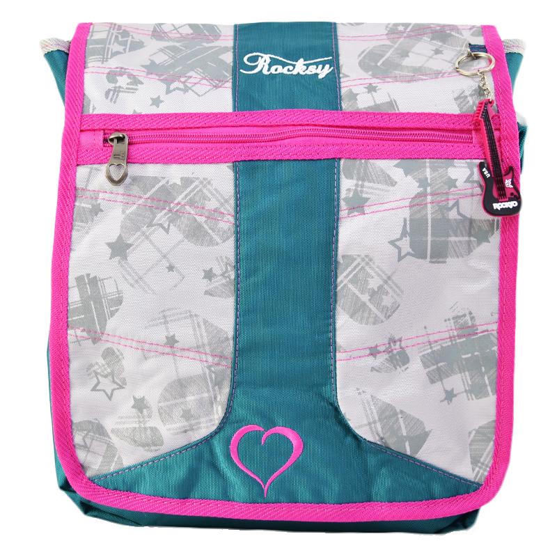 Чанта с капак, една презрамка и импрегниран текстил 3576