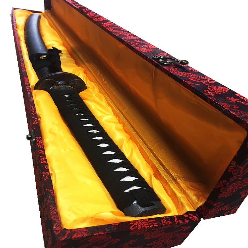 Огромен японски самурайски меч КАТАНА с истинско заточване, дървена кания и луксозна кутия