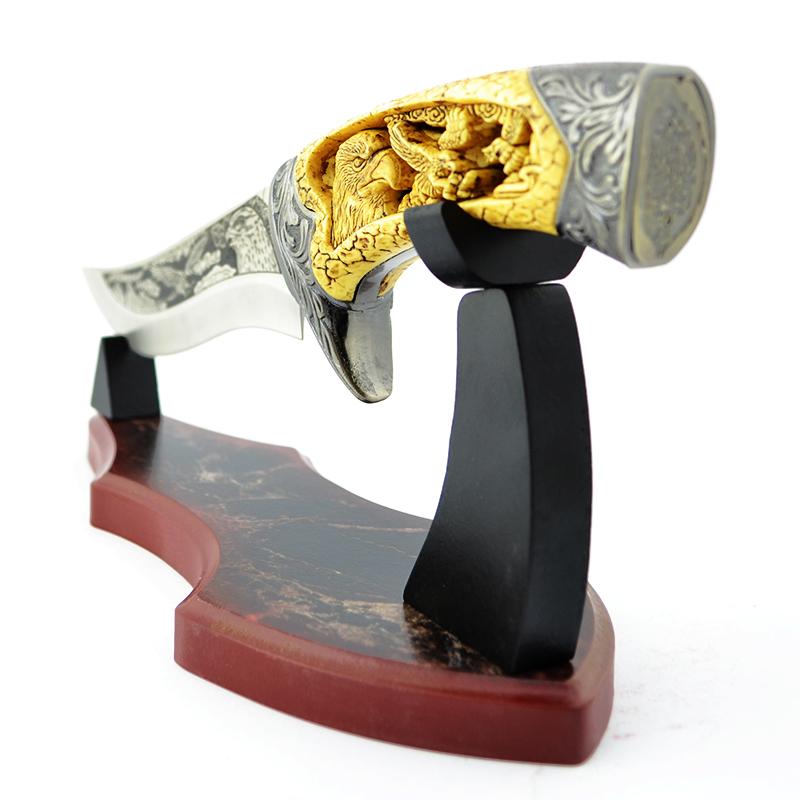 Бутиков подаръчен нож WILDLIFE COLLECTION EAGLE с настолна трофейна поставка