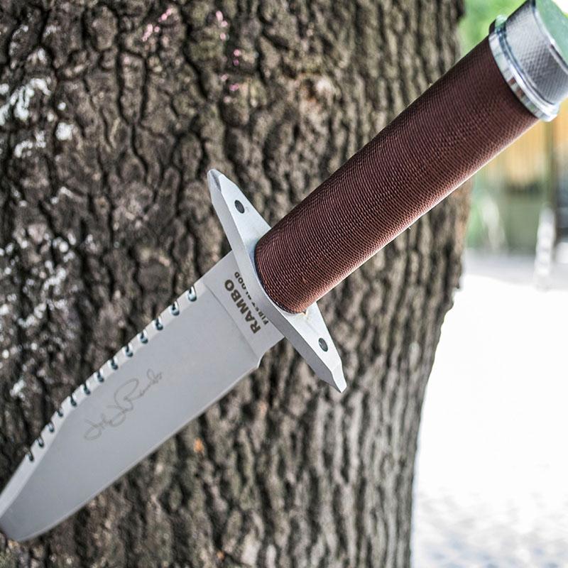 Лазерно заточен нож RAMBO First Blood А01 с кожена кания и комплект за оцеляване