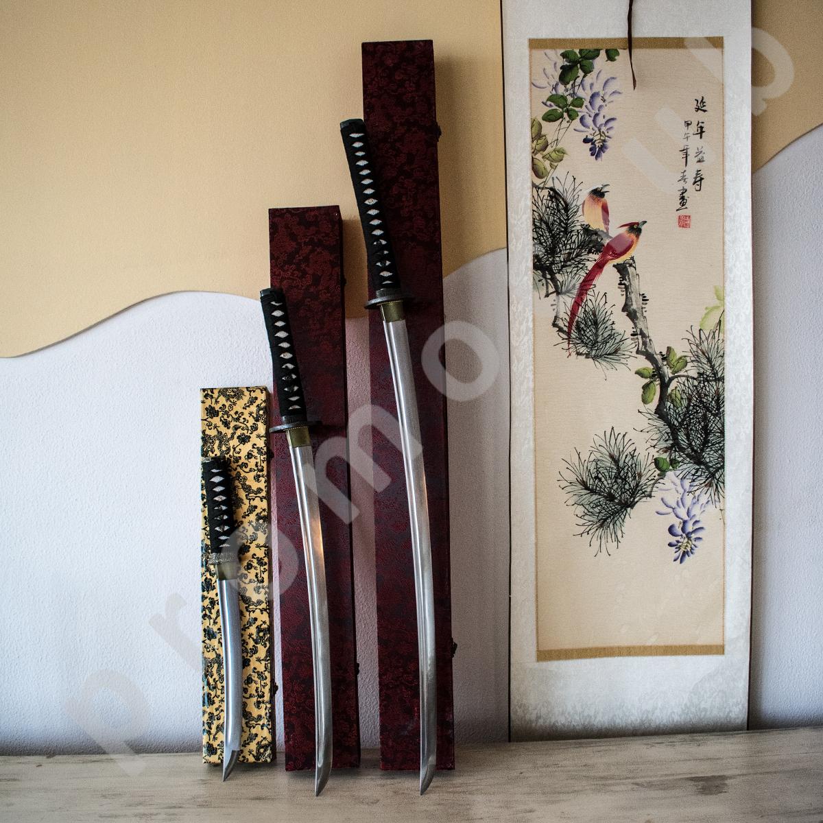 Комплект 3 броя луксозни японски самурайски мечове -  ТАНТО, УАКИЗАШИ и ТАНТО , заточени