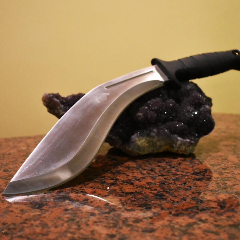 Висок клас компактно тежко мачете KUKRI COLD STEEL CONQUEROR с вулканизирана дръжка, калъф