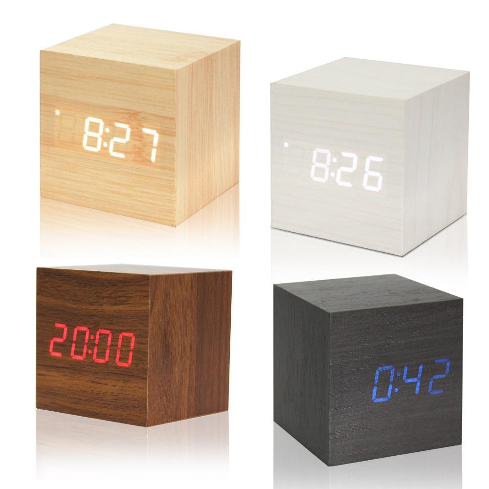 Оригинален дървен LED часовник  CLICK CLOCK TREE CUBE - в произволен цвят
