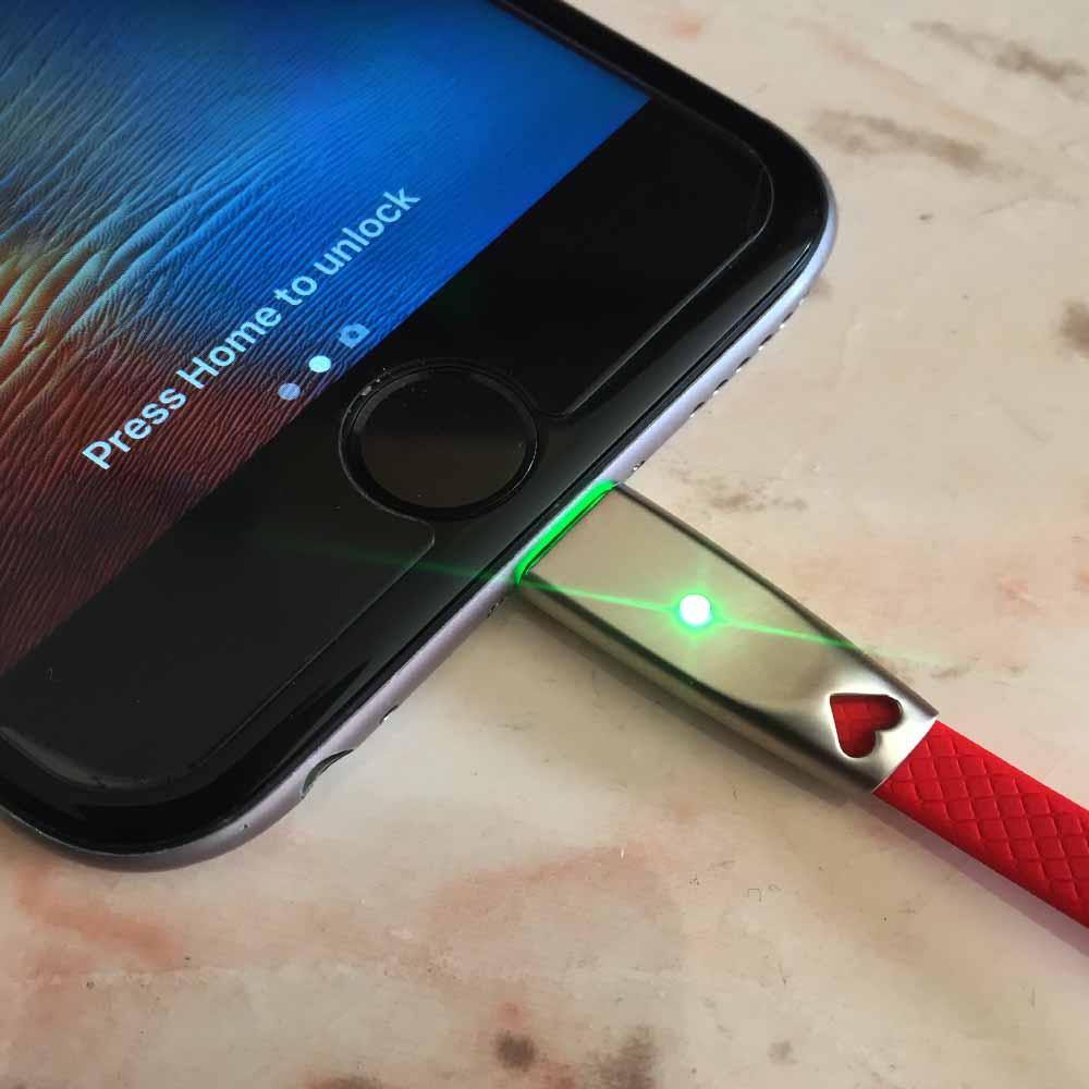 Мощен и бърз светещ дейта кабел за iPhone KLGO S-75 2.4A METAL HEART