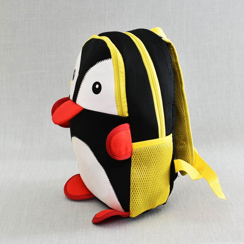 Лека детска раничка PINGUIN 21087 - пингвин, с анатомичен дишащ гръб