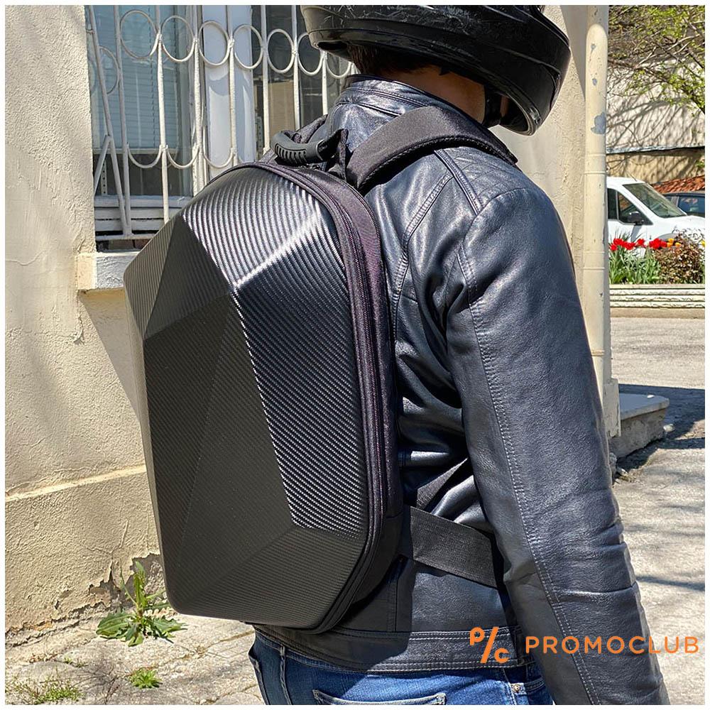Карбонова ТОП МОТО раница GST 0100 CARBO - масивна коруба с отделение за лаптоп и обувки