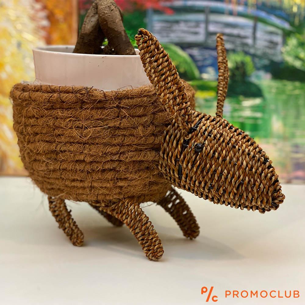 Ръчно изработена кашпа във формата на животинка с уши