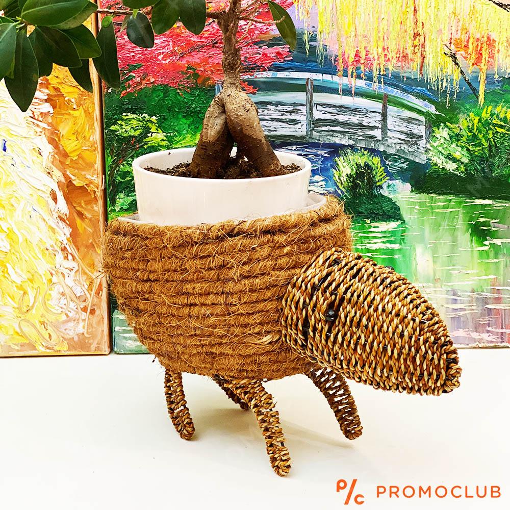 Ръчно изработена кашпа във формата на забавна животинка