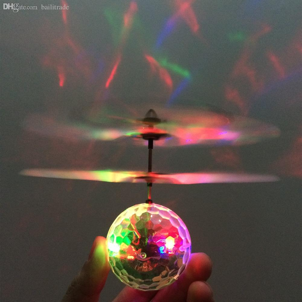 Светеща,летяща диско топка