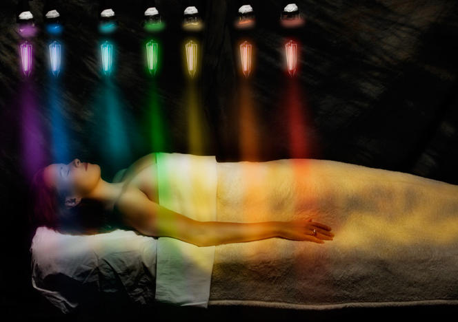 Кристална светлинна терапия с кристално легло по метода на бразилския медиум Жоао де Деус