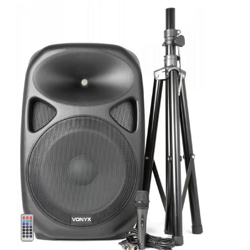 Здрава триножна стойка за всяка активна тонколона - осигурява перфектна чуваемост/акустика