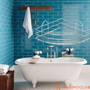 Бяла ъглова етажерка за баня