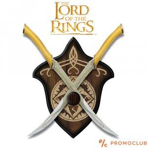 Комплект елфически мечове на Леголас от Властелина на пръстените, дървена стойка за стена