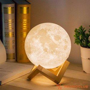 3D LED лампа - луна с поставка с променящи се цветове при докосване