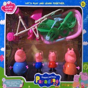 Peppa pig Цялото семейство с играчките им за парка